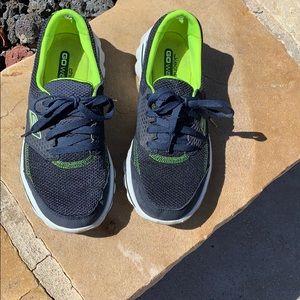 Sketchers Go Walk 2 memory extra light sneakers